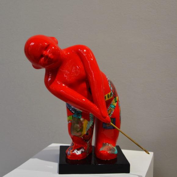 Mini Swing Rouge, résine colorée, 30 x 10 x 10 cm - Ruth Gallery Luxembourg - Françoise Abraham